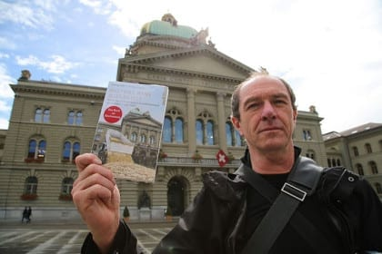 Basic income campaigners published a new book and distributed in front of the Parliament.