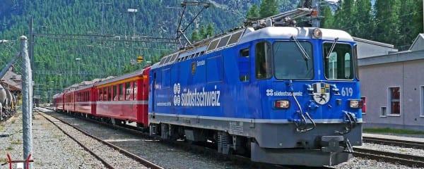 rhaetian-railways-1345754_960_720