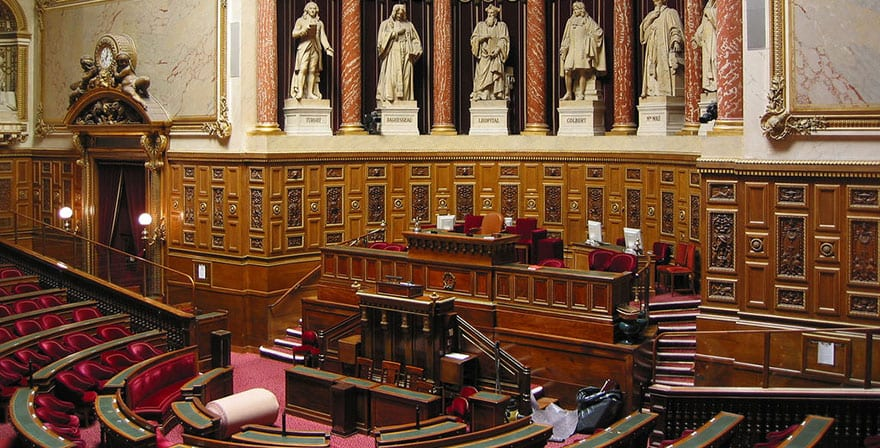 FRANCE: the Senate gets into the swing of things
