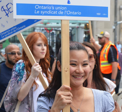 OPSEU picketing (Toronto) CC BY-NC-ND 2.0 Mary Crandall